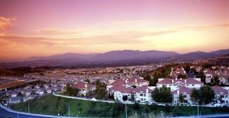 Santa Clarita Motel - Newhall - Outdoor view