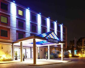 Novotel London Heathrow Airport - M4 Jct 4 - West Drayton - Gebouw