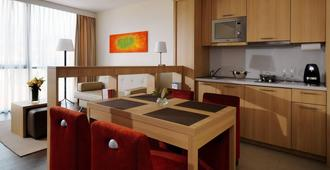 Residence Inn by Marriott Sarajevo - Sarajevo - Kitchen