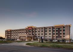 Hampton Inn & Suites-Wichita/Airport, KS - Wichita - Rakennus