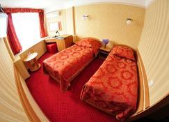 ツーリスト ホテル - キエフ - 寝室