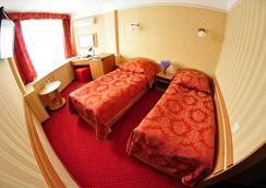Tourist Hotel - Kyiv - Bedroom