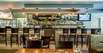 Radisson Hotel Portland Airport - Portland - Bar
