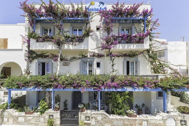 Pension Sofi - Naxos - Toà nhà