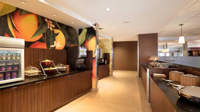 Fairfield Inn & Suites by Marriott Lancaster East at The Outlets - Lancaster - Buffet