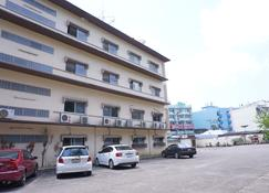 Sri Chumphon Hotel - Chumphon - Building