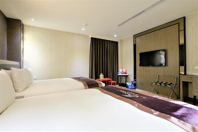J Hotel - Kaohsiung - Bedroom