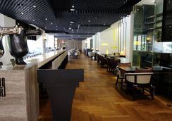 Hotel Wo窩 - 高雄市 - 餐廳
