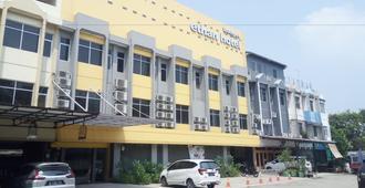 Ethan Hotel Cilincing Plaza - Yakarta - Edificio