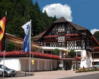 Flair Hotel Adlerbad - Bad Peterstal-Griesbach - Gebouw