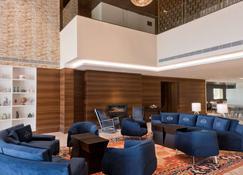 Country Inn & Suites by Radisson Zirakpur - Zerakpur - Lounge