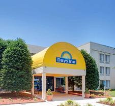 Days Inn by Wyndham Newport News City Center Oyster Point