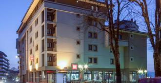 ibis Thonon Centre - Thonon-les-Bains - Building