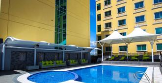 The Royal Mandaya Hotel - Davao City - Pool