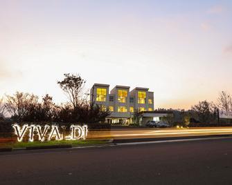 Casa De Vivaldi Hotel - Andeok-myeon - Building