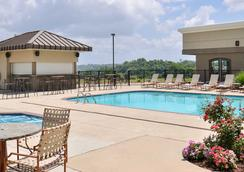Hotel Vue Ascend Hotel Collection - Natchez - Pool
