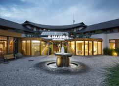 Maximus Resort - Brno - Building