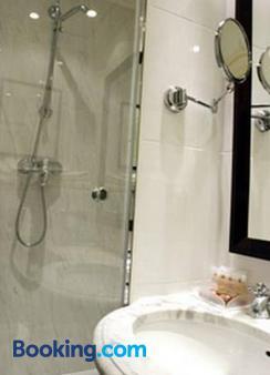 Victoires Opera - Paris - Bathroom