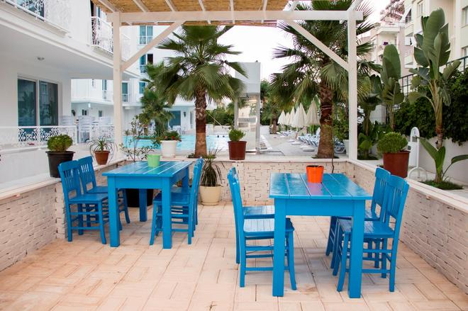 Hun Club - Antalya - Patio