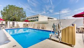 Motel 6 Albuquerque Carlisle - Albuquerque - Pool