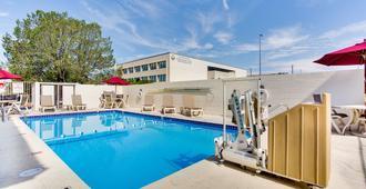 Motel 6 Albuquerque Carlisle - Albuquerque - Bể bơi