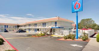 Motel 6 Albuquerque Carlisle - Albuquerque - Building