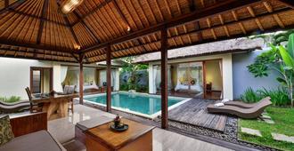 Le Nixsun Villa & Spa - South Kuta - Pool