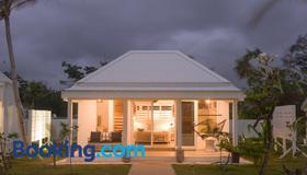 Tamanu on the Beach - Port Vila - Building