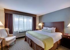 Best Western Plus The Inn at Hampton - Хэмптон - Спальня