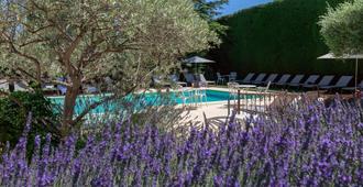 Auberge de Cassagne & Spa - Le Pontet - Pool