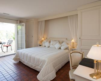 Auberge de Cassagne & Spa - Le Pontet - Bedroom