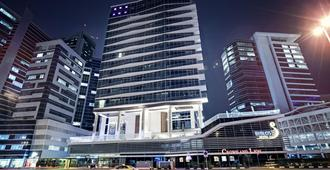 Byblos Hotel - Dubai - Gebäude