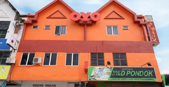 OYO 984 Kings Hotel - קואנטאן