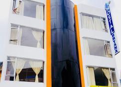 Hostal Bryana - Baños de Agua Santa - Edificio