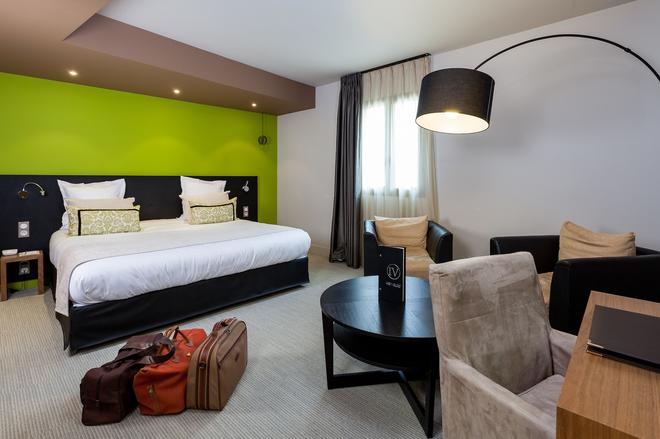 伊凡瓦提爾酒店 - 康城 - 康市 - 臥室