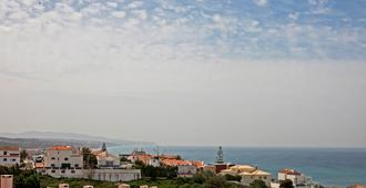 Ericeira Chill Hill Hostel & Private Rooms - Ericeira - Outdoors view