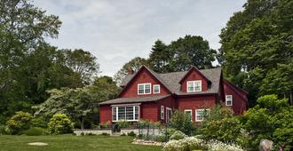 Woods Hole Passage Bed & Breakfast Inn - Falmouth
