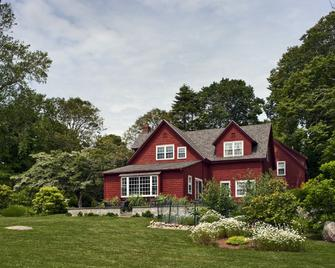 Woods Hole Passage Bed & Breakfast Inn - Falmouth - Building