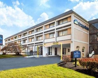 Days Inn by Wyndham College Park - College Park - Building