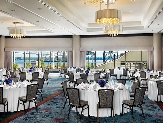 Pinnacle Hotel at the Pier - North Vancouver - Salle de banquet