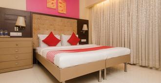 Oyo 22061 Hotel Khwaishh Presidency - Mumbai - Bedroom