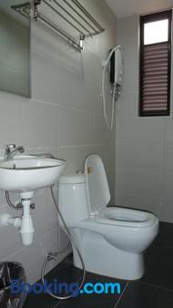 Hotel Hong At Jonker Street - Malacca - Phòng tắm