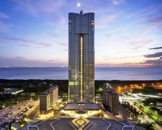 Apa Hotel And Resort Tokyo Bay Makuhari - Chiba - Building
