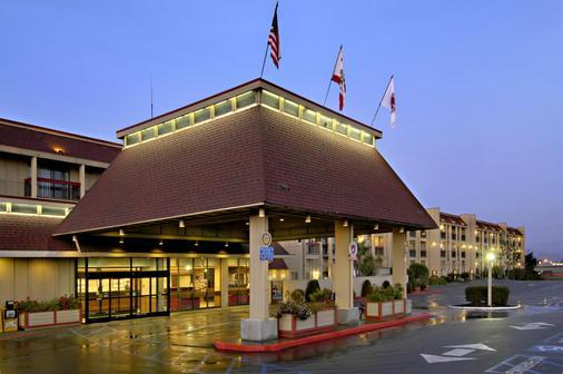 Red Lion Hotel Eureka - Eureka - Building