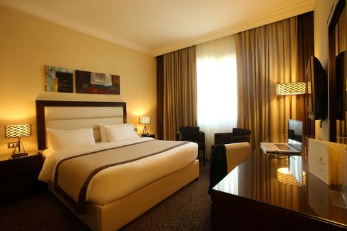 Lancaster Hotel Raouche - Beirut - Bedroom