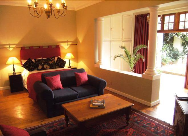 Village Green Guest House - Johannesburg - Bedroom