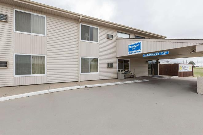 Rodeway Inn - Grand Island - Building