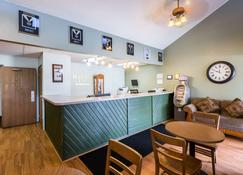 Rodeway Inn Grand Island - Grand Island - Front desk