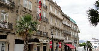Compostela - Vigo - Building