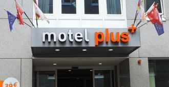 Motel Plus Berlin - Berlín - Edificio